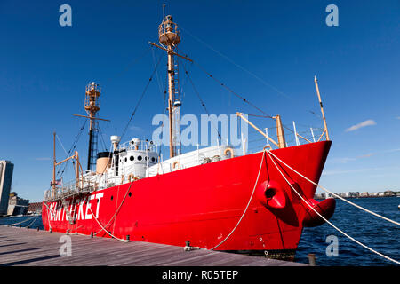 Wide-angle view of Lightship WLV-612 (Nantucket Lightship) moored in Boston Harbour - Stock Image