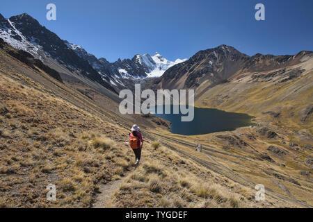 View of Cabeza del Condor and Laguna Juri Khota on the Cordillera Real Traverse, Bolivia - Stock Image