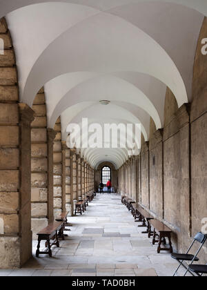 Queen's College cloister, Oxford University, UK - Stock Image