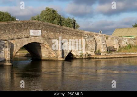 Potter Heigham Bridge, Potter Heigham, Norfolk, UK. - Stock Image