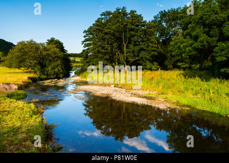 River Teme with low water levels due to drought summer 2018. The river flows along the English border with Wales, below Knighton. - Stock Image