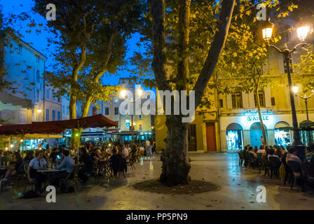 Aix-en-Provence, FRANCE, People Sharing Meals in Local French Restaurant - Stock Image