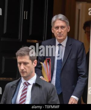 London, UK. 20th March, 2019. Phillip Hammond leaves 11 Downing Street, London Credit Ian Davidson/Alamy Live News - Stock Image