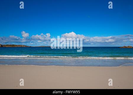 Sandy beach near Hov on island Gimsøy on Lofoten in northern Norway. - Stock Image