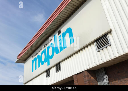 Sign on the exterior of the Maplin store, Manchester  Road, Bolton. Maplin are an electronics retailer. - Stock Image