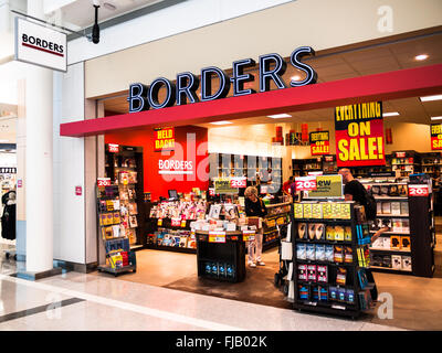Borders books store holding a liquidation store closing sale. Founded in 1971, Borders filed for Chapter 11 bankruptcy - Stock Image