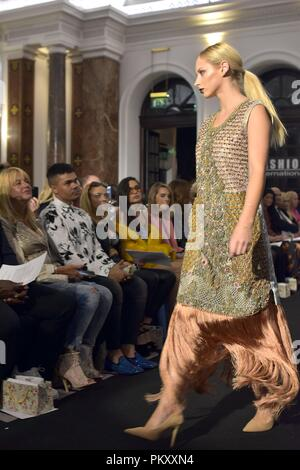 London Fashion Week Spring/Summer 2019 collection - Stock Image