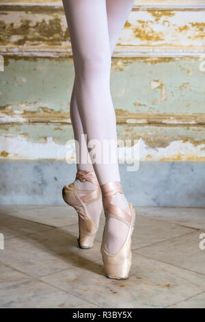 Cuba, Havana. Ballet position of ballerina's legs and feet. Credit as: Wendy Kaveney / Jaynes Gallery / DanitaDelimont.com - Stock Image
