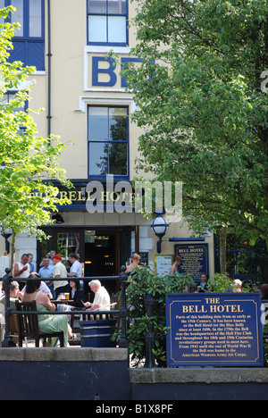 People eating outside the Bell Hotel, Norwich, Norfolk, England - Stock Image
