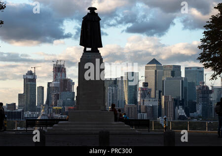 London Panorama from Greenwich Park, England UK. 22 September 2018 Statue of General James Wolfe looking across to 20th and 21st cntury Canary Wharf c - Stock Image