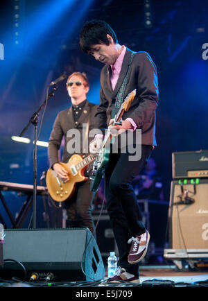 Dorset, UK. 1st Aug, 2014. Johnny Marr  on stage at Camp Bestival  Lulworth Castle & Park, East Lulworth, Wareham, - Stock Image