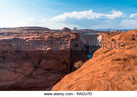 Glen Canyon Dam, Page, Arizona, USA Glen Canyon Dam and surrounding landscape, Page, Arizona, USA (August 2018) - Stock Image
