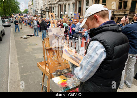 London, UK , 2 July 2016: Artist painting protesters on Piccadilly on the March for Europe demonstration who were - Stock Image