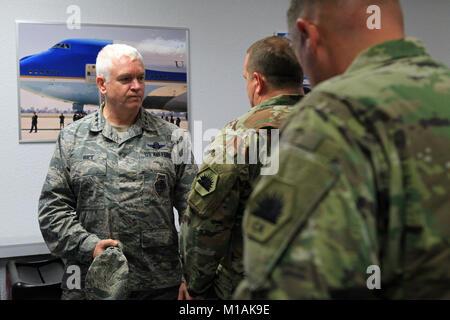 Lt. Gen. L. Scott Rice, Director of the Air National Guard, talks with Maj. Gen. David S. Baldwin, Adjutant General - Stock Image