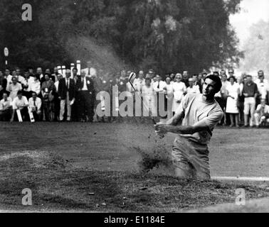 Golfer Bob Charles plays in match - Stock Image