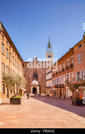 Place Leon Gambetta and the Cathedral Basilica of Saint John the Baptist, Perpignan, Languedoc-Roussillon, Pyrenees-Orientales, France. - Stock Image