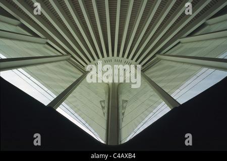 Detail of the concrete roof apex of Bilbao Sondika International Airport - Stock Image