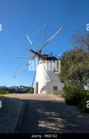 A Recently Restored Traditional Windmill On Moinho Cerro Malpique In Albufeira The Algarve Portugal - Stock Image