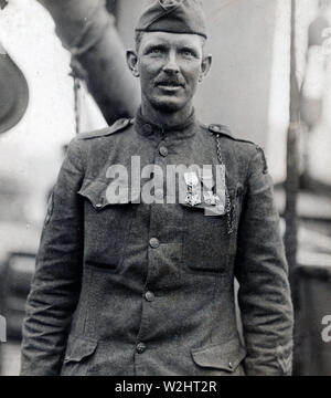 Sergeant Alvin C. York of Pall Mall, Tenn., credited with killing 25 Germans, capturing 132 prisoners, including four officers and putting 35 machine gun nests out of commission Oct. 8, 1918 (ca. May 22, 1919) - Stock Image