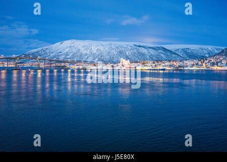 Tromsø bridge (Tromsøbrua) over Tromsøysundet, in the city of Tromsø, Norway, links Tromsdalen - Stock Image