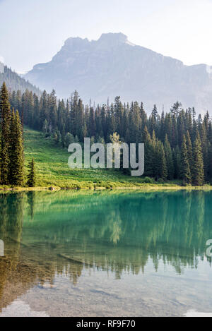 Emerald Lake in Yoho National Park. - Stock Image