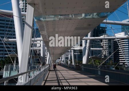 Kurilpa Bridge linking South Bank with the city centre, Brisbane, Queensland, Australia - Stock Image