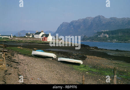 1960s, a view from this era of Plockton, Lochlash, Wester Ross, Highlands, Scotland, UK. Known as 'the Jewel of the Highlands', this small charming picturesque Highland village sits in stunning location overlooking Loch Carron. Some consider the location to be amongst the most beautiful in the whole world. - Stock Image