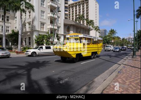 Amphibious vehicle Hawaii Duck Tour DUKW vessel, Waikiki, Honolulu, Hawaii - Stock Image