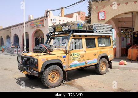Expedition Landrover in Zaida, Midelt Province, Drâa-Tafilalet, Morocco - Stock Image