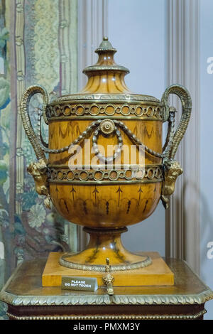 Liverpool Wirral Port Sunlight Village The Lady Lever Art Gallery antique ornate urn with tap - Stock Image