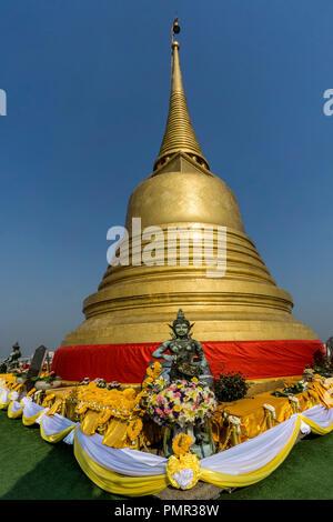 Wat Saket, Golden Mount Temple, Phu Khao Thong, golden chedi, Bangkok, Thailand - Stock Image