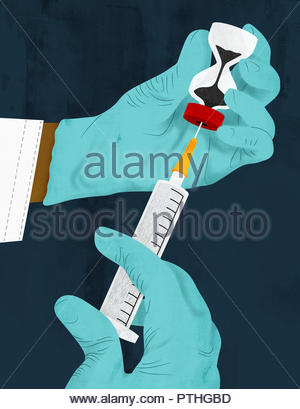 Doctor filling syringe from hourglass phial - Stock Image