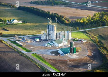 aerial, Parrish & Heimbecker grain handling, Blyth, Ontario - Stock Image