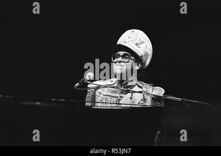 Elton John pictured on stage, during preperations for his Jump Up Tour. 31st October 1982. - Stock Image