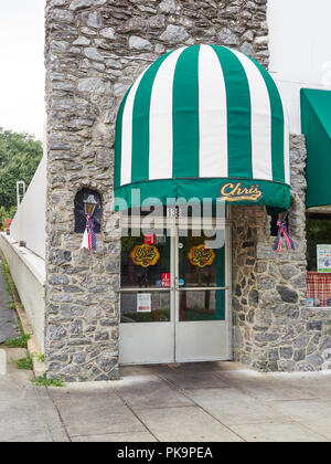 Front exterior entrance of Chris' Hot Dogs restaurant in Montgomery Alabama, USA. - Stock Image
