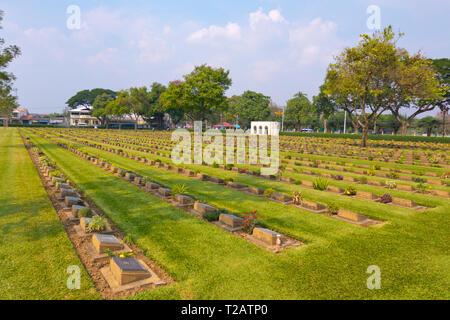 Kanchanaburi War Cemetery, Kanchanaburi, Thailand - Stock Image