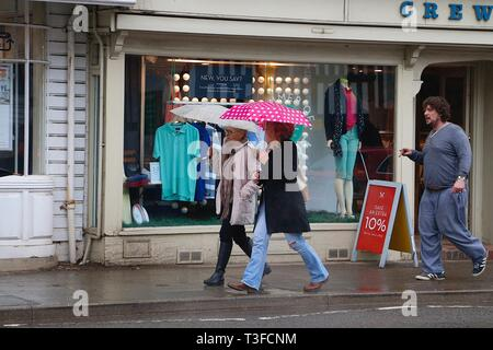 Tenterden, Kent, UK. 09 Apr, 2019. UK Weather: April showers in Tenterden, Kent that is expected to last throughout the day, temperatures of 9 degrees C. © Paul Lawrenson 2019, Photo Credit: Paul Lawrenson/Alamy Live News - Stock Image