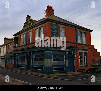 Cw 6576 The Blue Bell pub Amble Cw 6576 The Blue Bell pub Amble  Amble is a small town on the north east coast of Northumberland in North East England - Stock Image