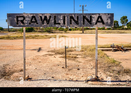 Faded railway station sign at the remote locality of Rawlinna, Western Australia, a stop on the Indian Pacific Trans-Australian Railway route.. - Stock Image