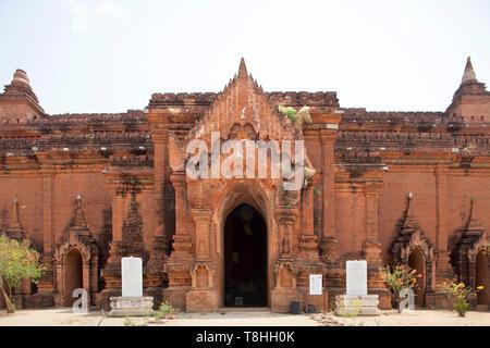 Pyathada temple, Old Bagan village area, Mandalay region, Myanmar, Asia - Stock Image