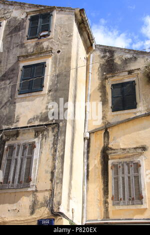 Front elevation of a run down residential building in Old Corfu Town, Corfu, GREECE, PETER GRANT - Stock Image