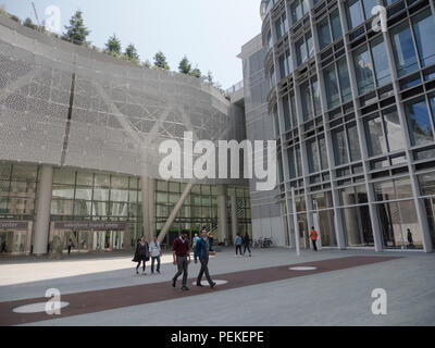 Salesforce Transit Center and Salesforce Tower in downtown San Francisco, California, USA - Stock Image