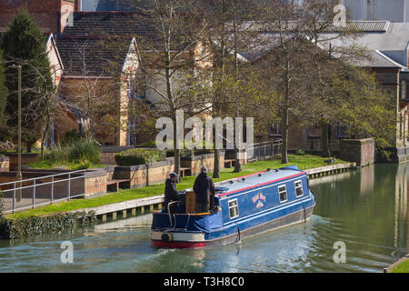 Narrow boat on the Thames at Osney, Oxford - Stock Image
