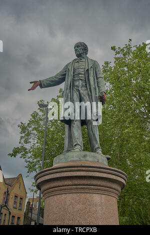 statue of william gladstone bromley by bow - Stock Image