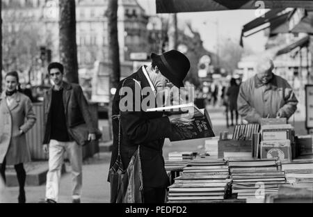 Paris France book stalls on the left bank. 1994 - Stock Image