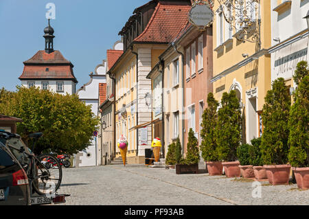 Shop fronts on the Market Square, Schlüsselfeld, Franconia, Bavaria, Germany. - Stock Image