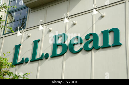 Sign for L.L. Bean on the exterior wall of the flagship store in Freeport, Maine, USA. - Stock Image