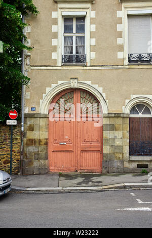 A doorway in Rennes, the capital of Brittany, France - Stock Image