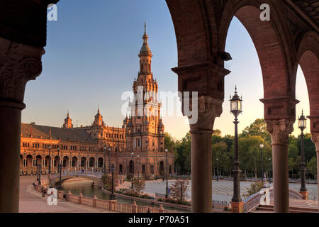 Spain, Andalucia, Sevilla, Plaza de Espana - Stock Image