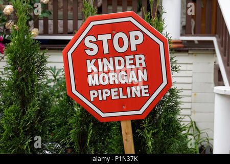 Stop Kinder Morgan Pipline protest sign ouside a house in Vancouver, BC, Canada - Stock Image